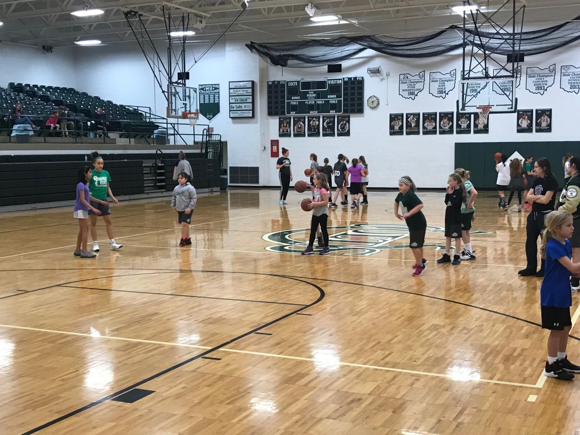 Cloverleaf Youth Girls Basketball clinic