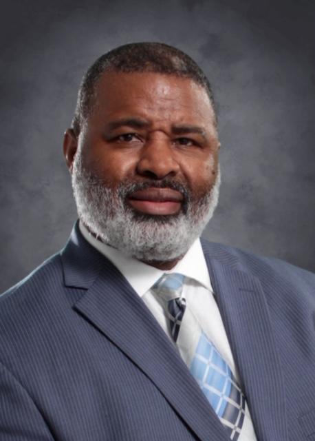 Principal Derrick Shelton