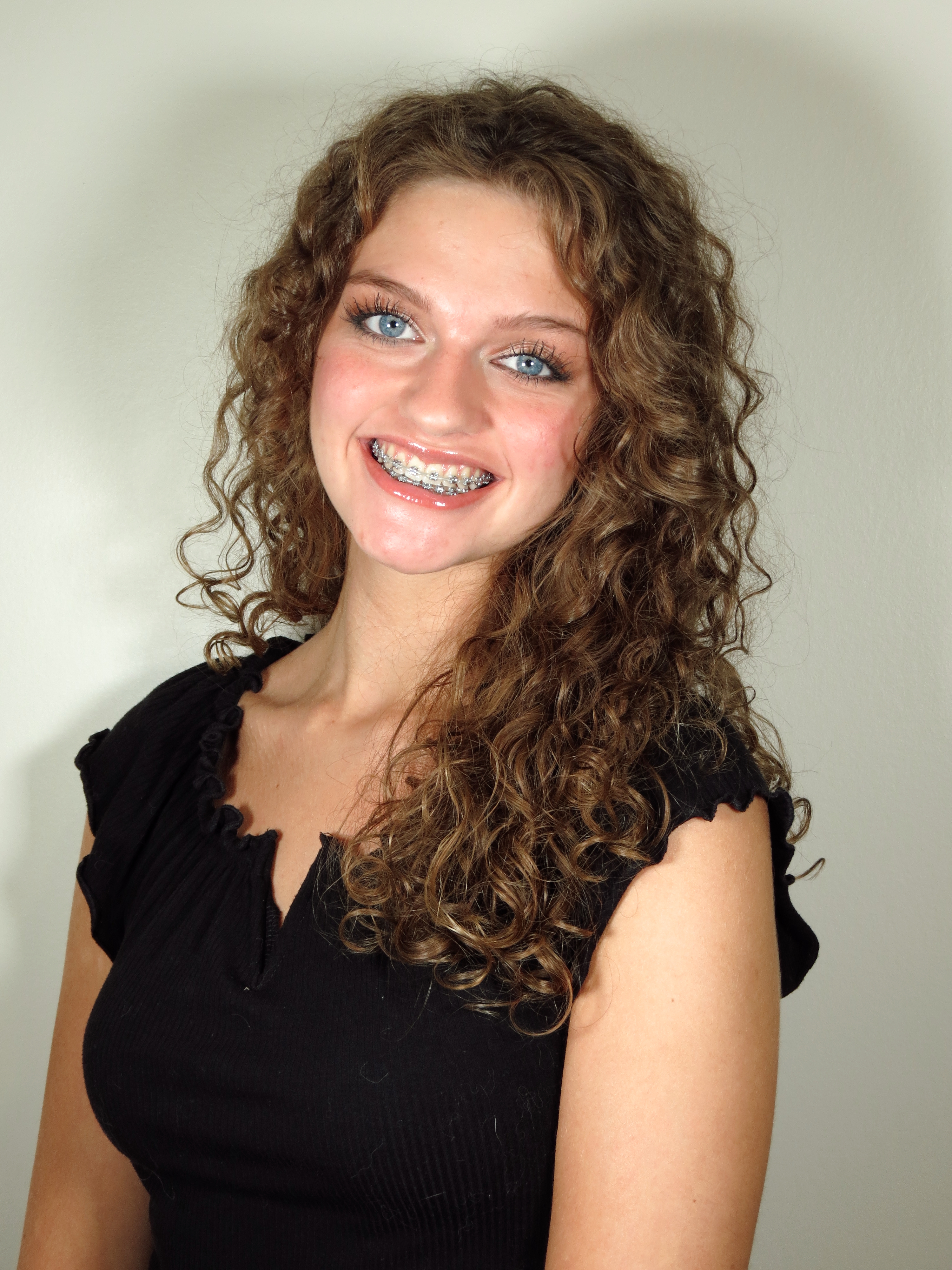 portrait photo of Chardon High School senior Olivia Nelson