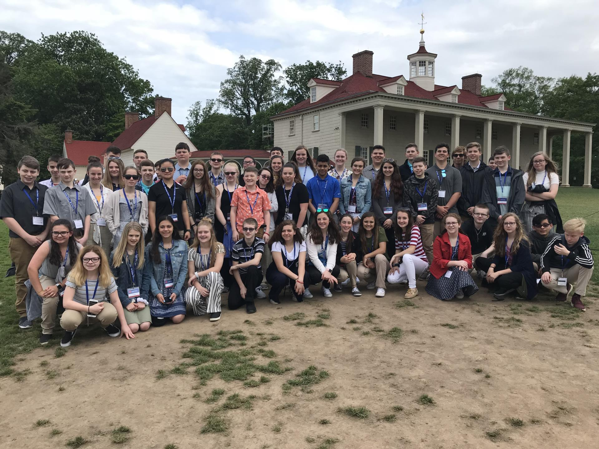 8th Grade Students in front of Mount Vernon