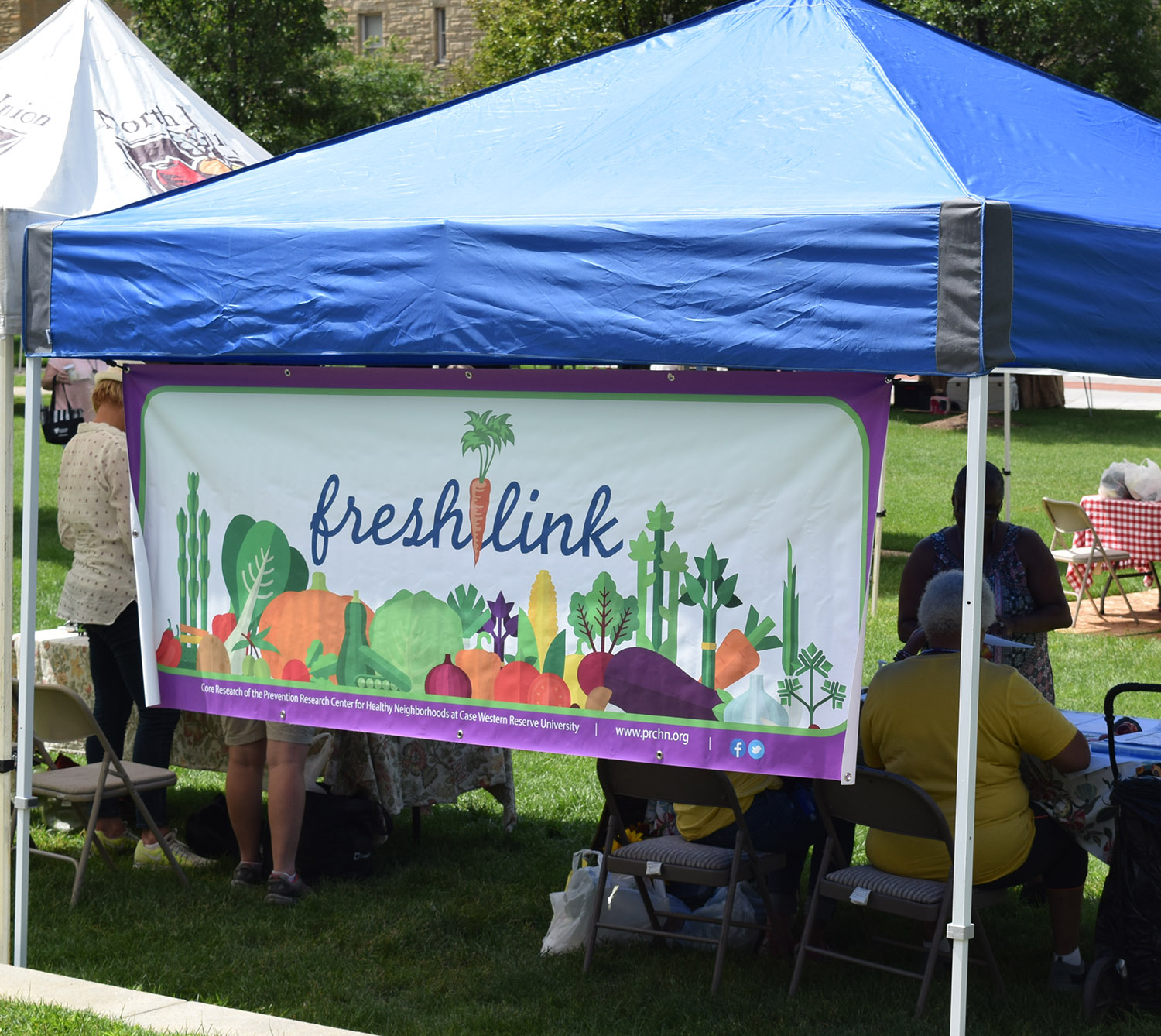 FreshLink booth at a farrmers' market